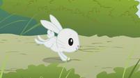 Angel running S1E7
