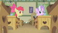 Apple Bloom drops note S1E12.png