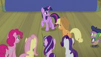 Applejack tells Twilight to tell the truth S8E7