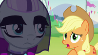 Coloratura hears Applejack S5E24