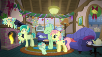 Hearth's Warming at Sandbar's house S8E16