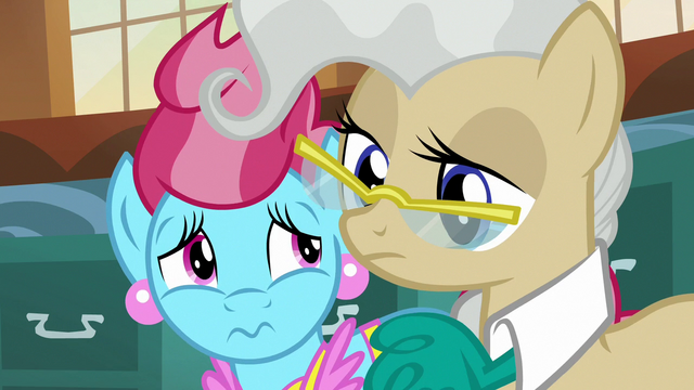 File:Mrs. Cake and Mayor Mare looking distressed S7E13.png