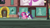 Pinkie --by picking a different location every year!-- S6E3