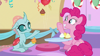 Pinkie giving Ocellus another cupcake S8E12