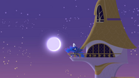 Princess Luna raising the moon S4E01