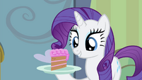 Rarity offering foals cake S4E19