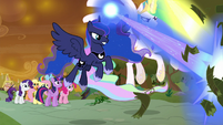 Celestia and Luna help the Mane Six S9E2
