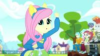 """Fluttershy cheers weakly """"goooo"""" SS4"""