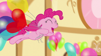 Pinkie jumps into pile of balloons S5E3