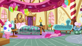 Pinkie on the floor S5E11.png