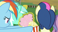 Rainbow grabs popcorn and cotton candy S8E20
