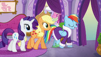 Rainbow joins AJ and Rarity for a spa treatment S6E10