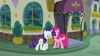 Rarity about to enter the restaurant S6E12