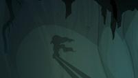Shadow puppet of Mistmane walking away S7E16