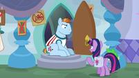 Twilight tries to reason with Meathead Pony S9E5