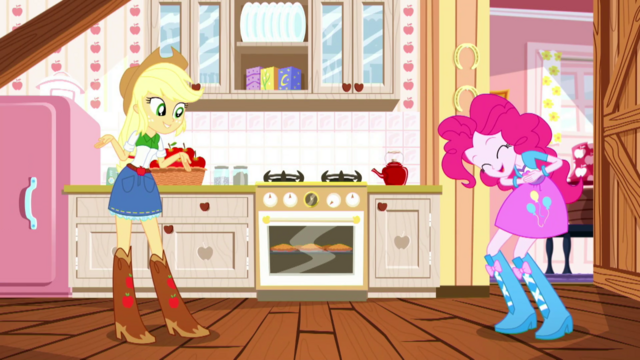 File:Applejack telling a story to Pinkie Pie SS14.png