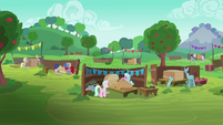 Pony pairs prepare for the Applewood Derby S6E14