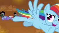 Rainbow flying circles around Sombra's guards S9E2