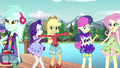 Rarity inspecting Applejack's bohochic outfit EG4.png