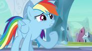 S03E01 Rainbow mówi, że jej się nie poszczęściło