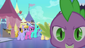 Spike running to Twilight S3E2.png