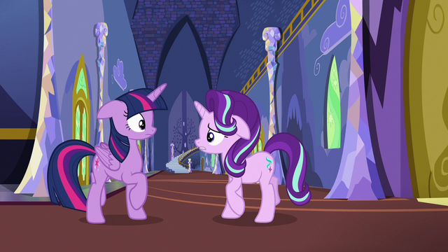File:Starlight approaches Twilight; Twilight backs away S6E25.png