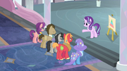 Starlight greets applicants,-S9E20