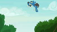 Thunderlane looping through the air S7E21