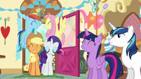Twilight -I got to share it with my best friends!- S5E19