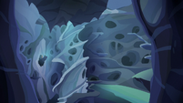 Wide view of changeling hive labyrinth S6E25