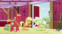 Applejack --you gave zap apple jam to Filthy's grandpappy-- S6E23