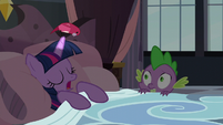 Bird looking down at Twilight Sparkle S5E10