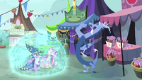 Cadance forming shield around her and Twilight S4E11
