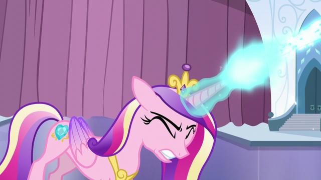 File:Cadance zaps her magic beam S6E2.png