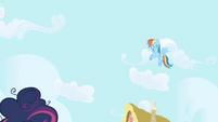 Rainbow Dash hovers over Twilight S1E01