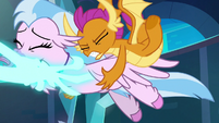 Smolder trying to save Silverstream S8E26