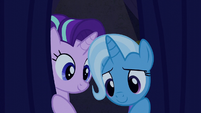 Starlight and Trixie peek behind the curtain S6E6