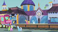 Canterlot train station S2E14