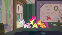 Cutie Mark Crusaders leaving Sugar Belle's bakery S7E8