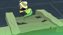 Daring Do reaches the other end of the chasm S7E18