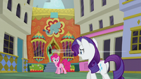 Pinkie and Rarity discover The Tasty Treat S6E12