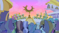 Royal guards fanfare S1E23