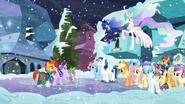 S06E02 Sunburst, Starlight i Spike zatrzymują kucyki