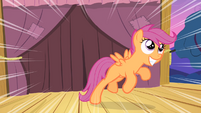 Scootaloo jumps S4E05