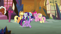Twilight paces back and forth out of desperation S9E2