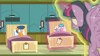 Twilight puts Aquamarine's bed on the floor again S7E3
