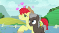Bright Mac hopelessly in love with Pear Butter S7E13.png