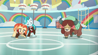Cheer ponies disoriented by stomping S9E15