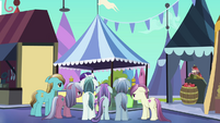 Crystal Ponies crowd around Rarity S3E02