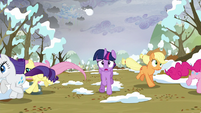 Main ponies running away from the snow S5E5